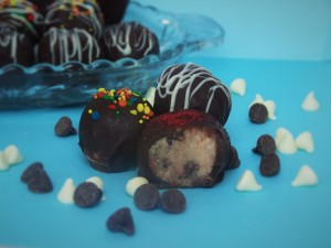 chocolate-chip-cookie-dough-truffles