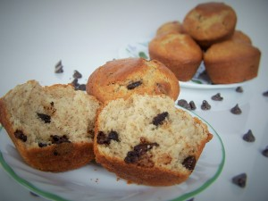 bakery-style-chocolate-chip-muffins