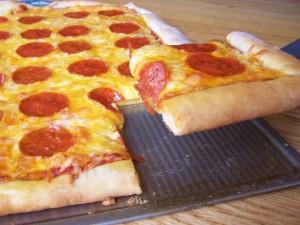 pepporoni-pizza-homemade