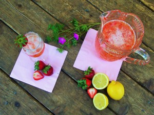 strawberry-lemonade-homemade