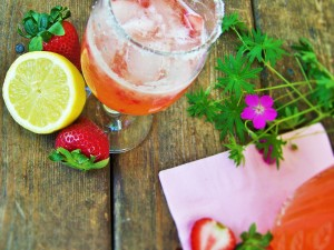strawberry-lemonade-squeezed
