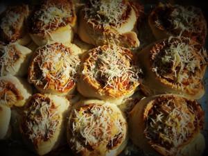 homemade-pizza-rolls
