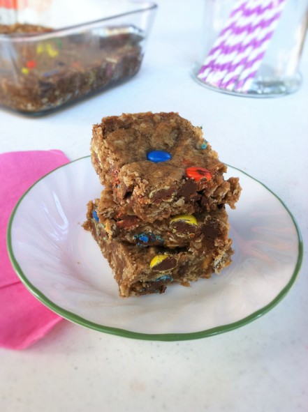 oatmeal-candy-cookie-bars