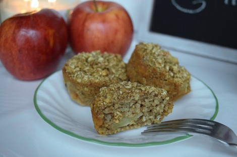 apple-cinnamon-baked-oatmeal-cups-recipe